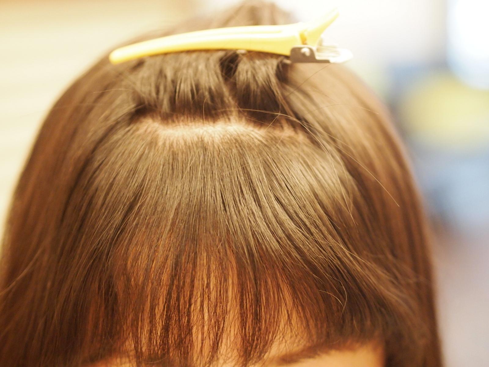 前髪の横がハネやすい!⇒ポイントストレート![人気記事]